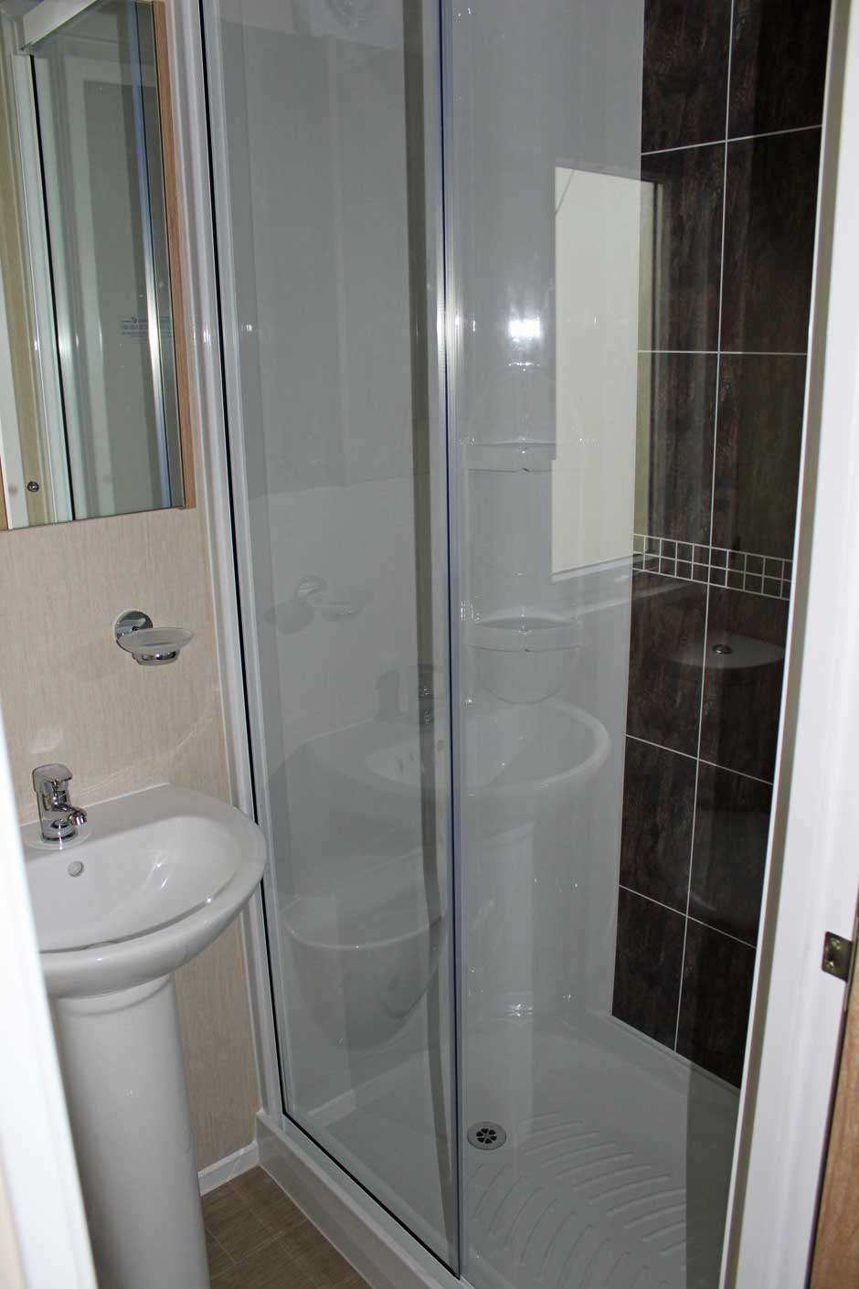 web-dx8-marlow-shower